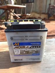 Bateria Moura para CBX 750 (galo)