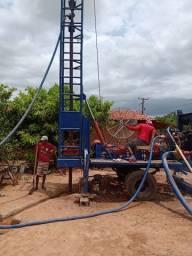 Máquina perfuratriz de poço artesiano