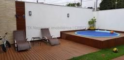 Casa em condomínio com piscina - Rita Vieira.