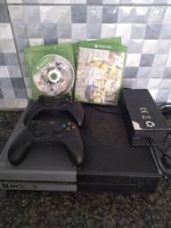 Xbox one serie call of dut 1 terá de HD 2 controle 2 jogos e 10 n troco por ps4