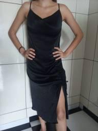 Vestido Preto com Fenda
