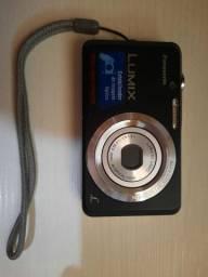 Câmera digital: vendo ou troco por ventilador.