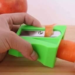 Apontador de Cenoura Descascador de Verduras e Frutas Legumes