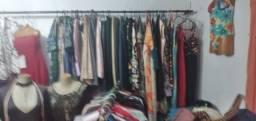 Vendo roupa,cabide,arara,sapatos bolsas