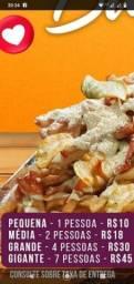 Batata frita com frango salsicha presunto e Bacon