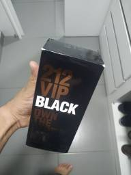 Título do anúncio: 212 perfume novinho