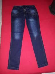 Título do anúncio: calças jeans n°40