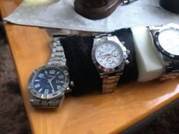 Vende-se 04 lindos relógios