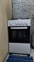 Vendo fogão semi novo sem marcas de uso