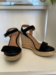 Título do anúncio: Sandalhas anabela 36