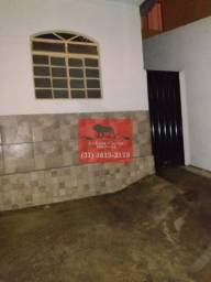 Casa com 3 pavimentos á venda no Bairro Trevo em BH