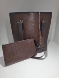 Bolsa Louis Vuitton com carteira ( necessaire)