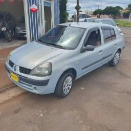 Clio Sedan 1.0