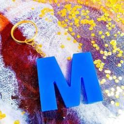 Título do anúncio: chaveiro letra resina