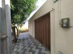 Casa com 3 dormitórios para alugar, 100 m² por R$ 800/mês - Lagoa Seca - Juazeiro do Norte