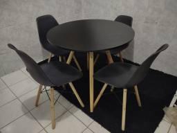 Título do anúncio: Mesa eiffel com 4 cadeiras