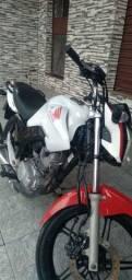 Vendo uma moto 150 Honda pronto pra transferir