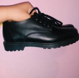 Título do anúncio: sapato de couro