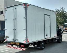 trabalhamos com caminhão baú de todos os tamanhos para mudanças e fretes