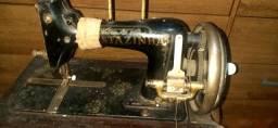 Máquina de costura manual