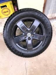 Jogo de roda com pneu aro 15