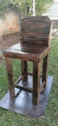Cadeira em palete,muito resistente!!!