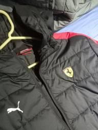 Jaqueta da puma e Ferrari, modelo que trouxe do Japão