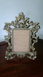 Porta retrato em bronze estilo Luiz XV