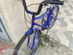 Bicicleta Barra forte com marcha seminova