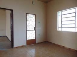 Casa para alugar com 2 dormitórios em Santo antonio, Divinopolis cod:27118