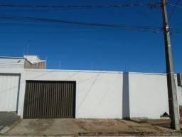 Casa à venda, 2 quartos, 4 vagas, Gravatas - Uberlândia/MG