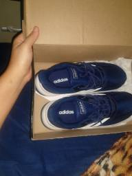 Vendo tênis novo da Adidas