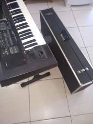 Teclado arranjador Roland GW8