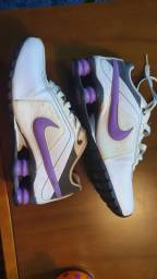 Tênis Nike shots