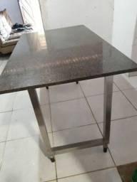 Mesa de jantar, pra copa ou cozinha, nova!