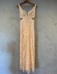 Vestido de renda pêssego