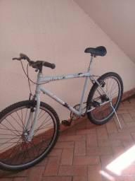 Bicicleta boa semi nova