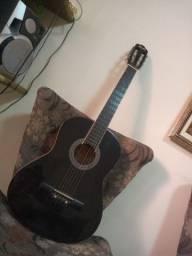Vendo violão semi novo ?
