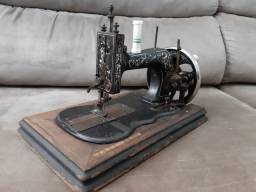 Máquina de costura antiga - Clemens Muller Original Saxônia