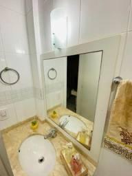 Armário de banheiro em Mdf com pia de mármore travertino