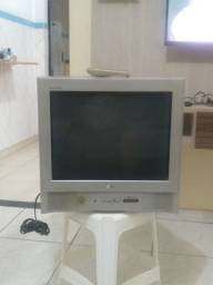 """Tv 22""""  LG FLATRON R$ 70 c controle bom estado"""
