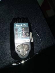 Título do anúncio: Carregador de bateria makita 12v original