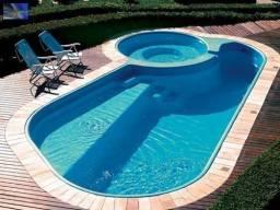 Título do anúncio: Tratamento químicos e limpeza de sua piscina,deck, jardim.