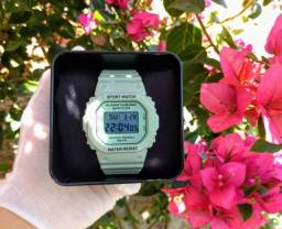 Relógio digital feminino SANDA a prova dágua (novo)