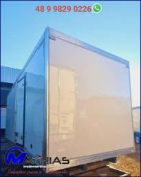 Título do anúncio: Baú frigorífico 3/4  Medidas 5.50C (8 pallets) Interno livre 2.10L x 2.00A