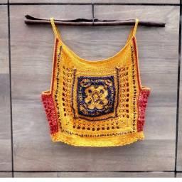 Blusa Cropped de crochê com aplicação de missangas NOVO