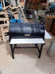 Título do anúncio: Churrasqueira Top Vai 2 mesa se madeira Aceito pix