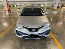 Título do anúncio: Etios 1.5 XS Hatch Automático Prata 2017/2018
