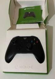 Título do anúncio: Controle de Xbox one com entrada de fone