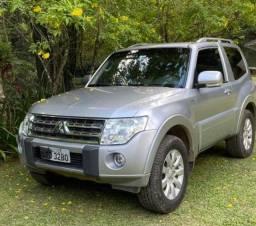 Mitsubishi Pajero Full 2011 Aut com teto panorâmico 4x4 3 Portas 77.000 km